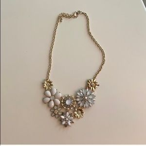 NEW NEVER WORN White & Gold Lulu's Necklace